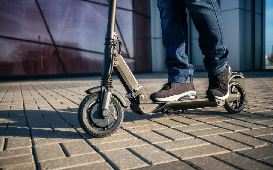 6 Quick Facts About Electric Scooters
